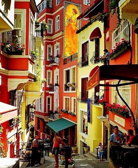 Istanbul looks pretty colorful to me. All in the eyes of the beholder.